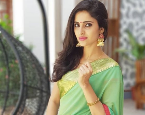 Ayesha (Actress) Wiki, Biography, Age, Family, Images