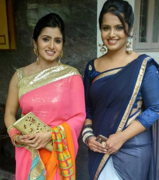 Srithika with her sister Sudha