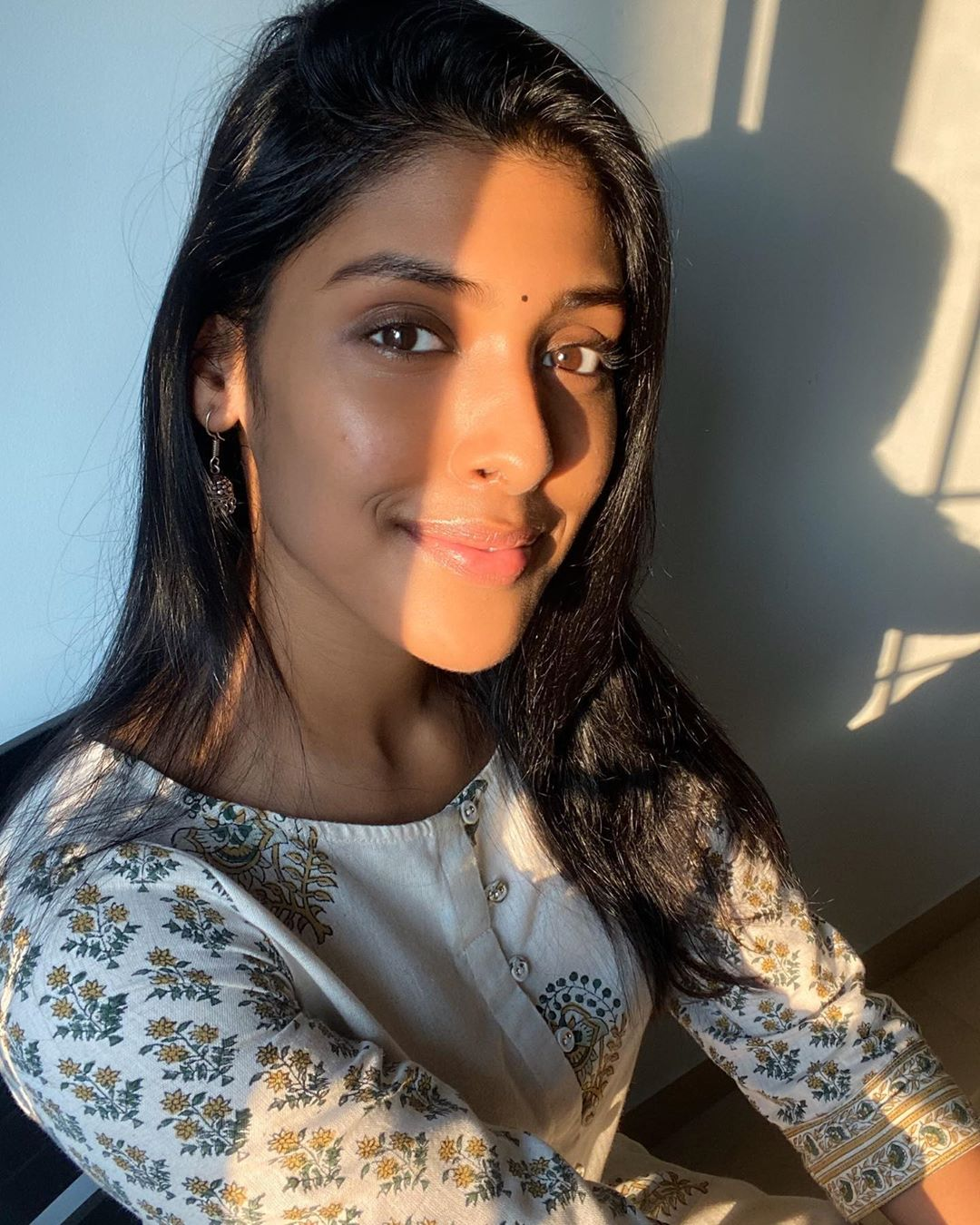 Gayathri Reddy (Actress) Wiki, Biography, Model, Age, Family, Images, Movies 1